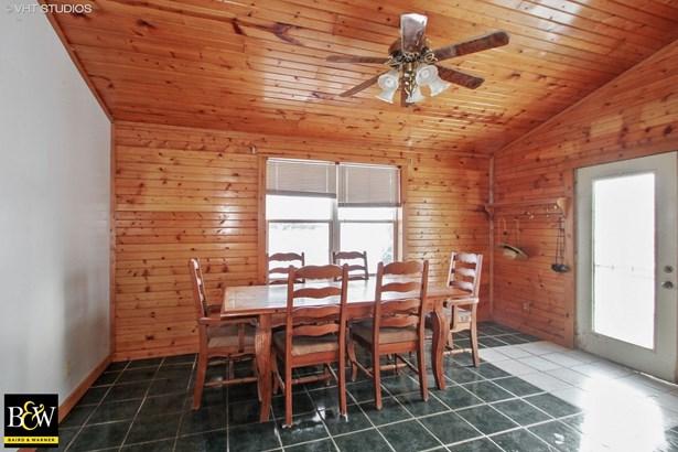 Farmhouse, Detached Single - Oregon, IL (photo 5)