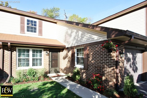 Townhouse - Cary, IL (photo 1)