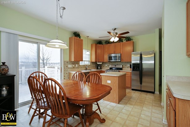 Traditional, Detached Single - Pingree Grove, IL (photo 5)
