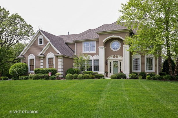 Traditional, Detached Single - Crystal Lake, IL
