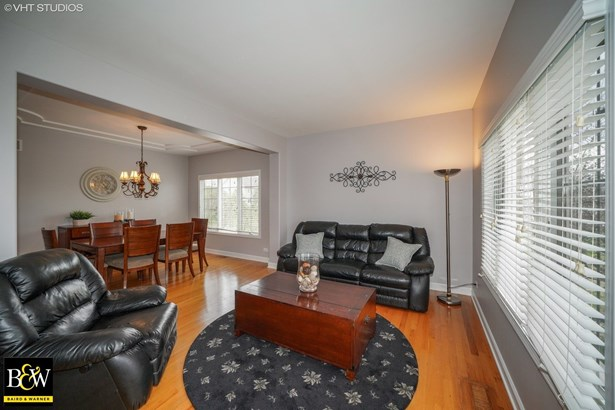 Traditional, Detached Single - Shorewood, IL (photo 3)