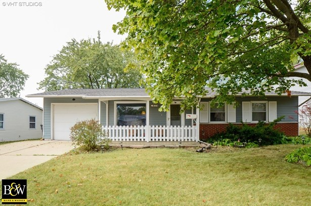 Ranch, Detached Single - Streamwood, IL (photo 1)