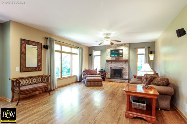 Traditional, Detached Single - Mchenry, IL (photo 4)