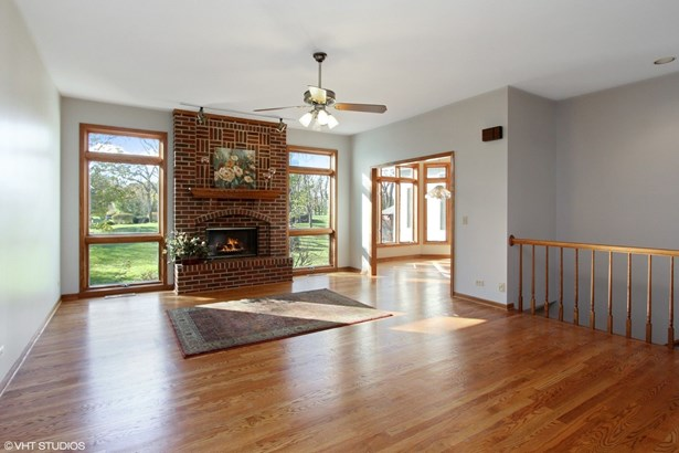 Ranch, Detached Single - Spring Grove, IL (photo 2)