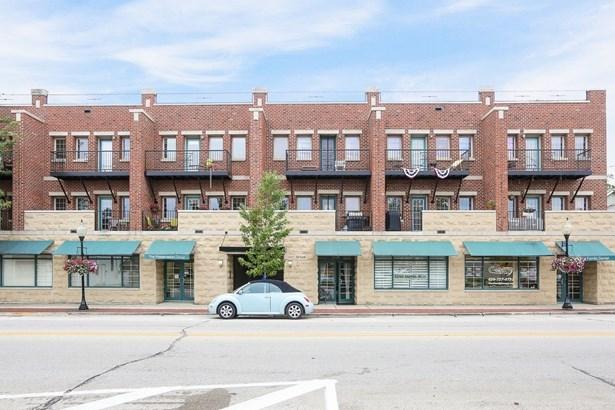 Condo - Westmont, IL (photo 1)