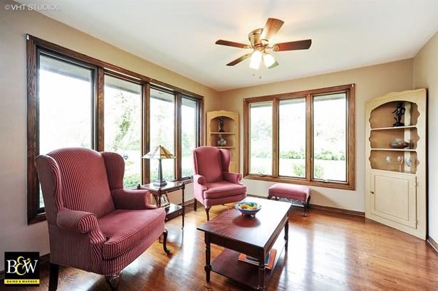 Traditional, Detached Single - Green Oaks, IL (photo 5)