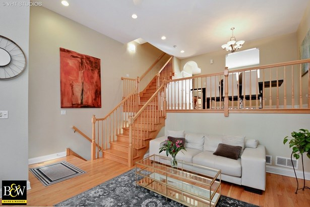 Townhouse - Chicago, IL (photo 2)