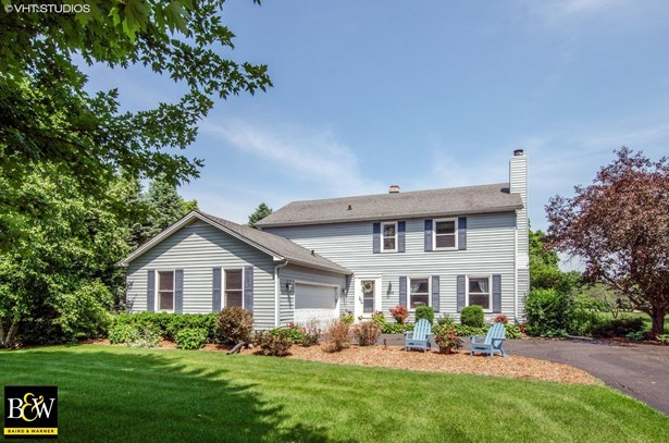 Colonial, Detached Single - Crystal Lake, IL (photo 1)