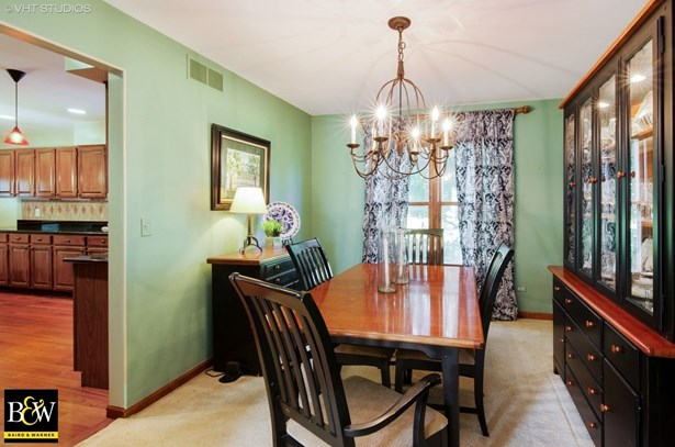 Colonial, Detached Single - Crystal Lake, IL (photo 5)