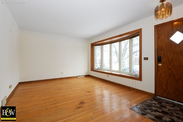 Detached Single, Step Ranch - Chicago, IL (photo 3)