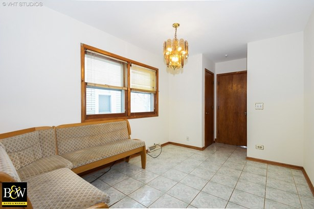 Detached Single, Step Ranch - Chicago, IL (photo 5)