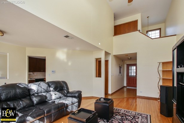 Townhouse - Roselle, IL (photo 2)