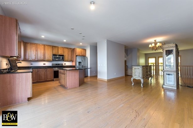 Townhouse - Chicago, IL (photo 5)