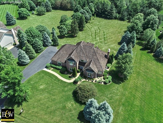 Traditional, Detached Single - Crystal Lake, IL (photo 2)