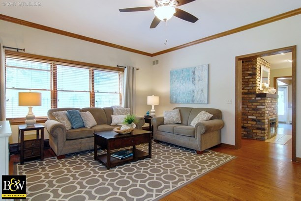 Traditional, Detached Single - Warrenville, IL (photo 5)
