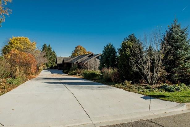 Ranch, Detached Single - Dekalb, IL (photo 2)