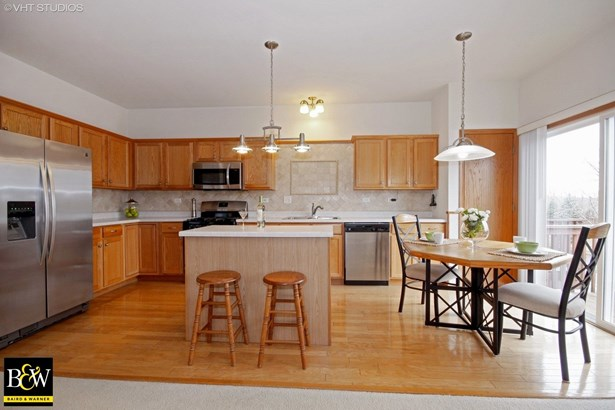 Townhouse - Willow Springs, IL (photo 4)