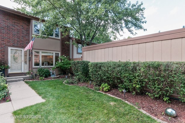 Townhouse - Roselle, IL