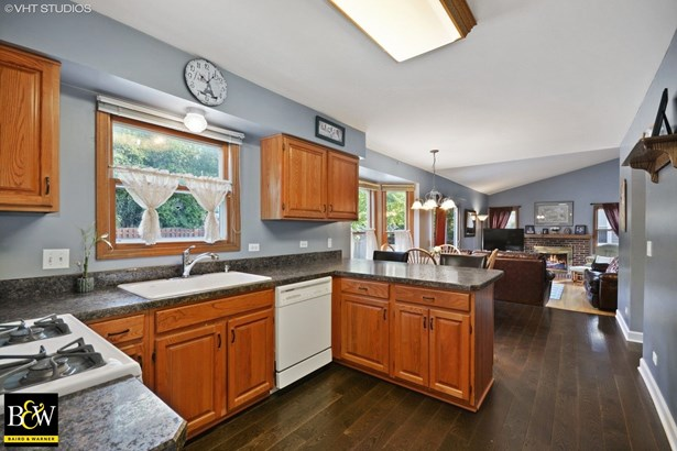Traditional, Detached Single - Winfield, IL (photo 5)