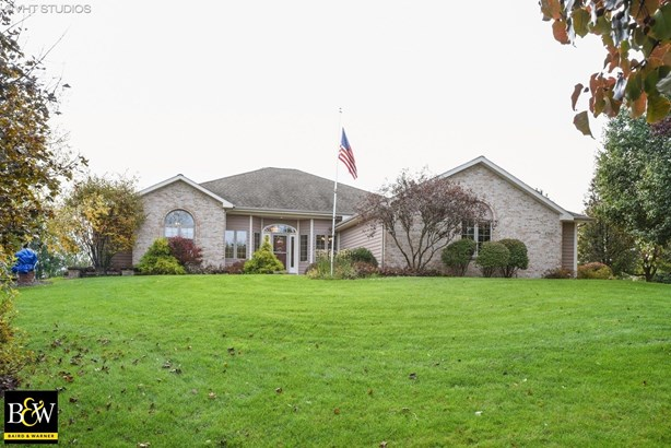 Ranch, Detached Single - St. Charles, IL (photo 1)