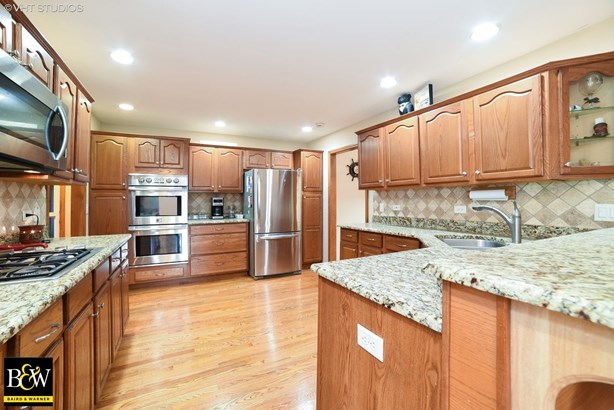 Ranch, Detached Single - St. Charles, IL (photo 5)