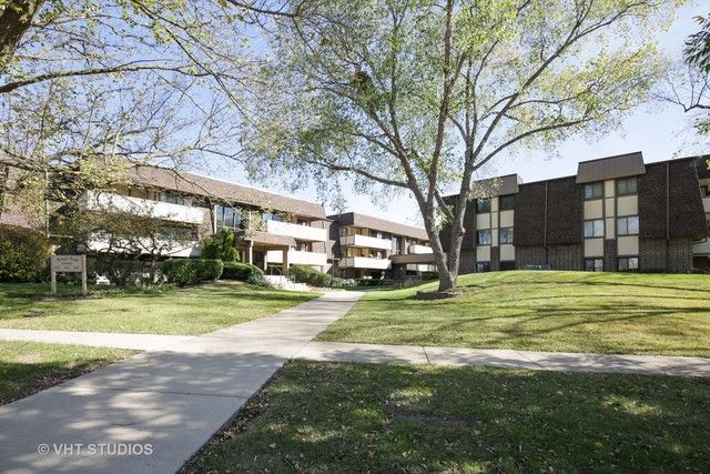 Condo - West Dundee, IL (photo 1)