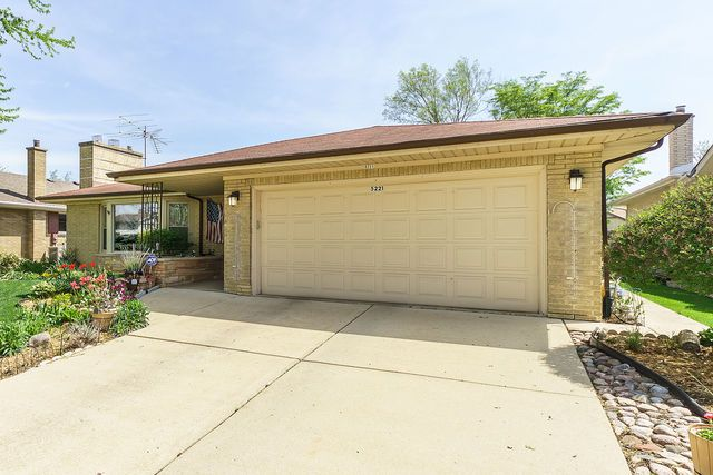 Ranch, Detached Single - Western Springs, IL (photo 2)
