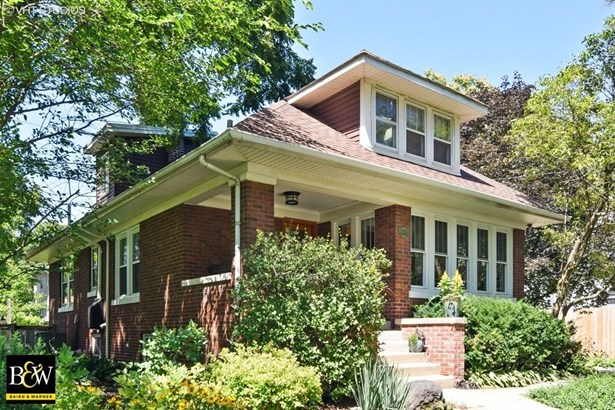 Bungalow, Detached Single - West Chicago, IL (photo 1)