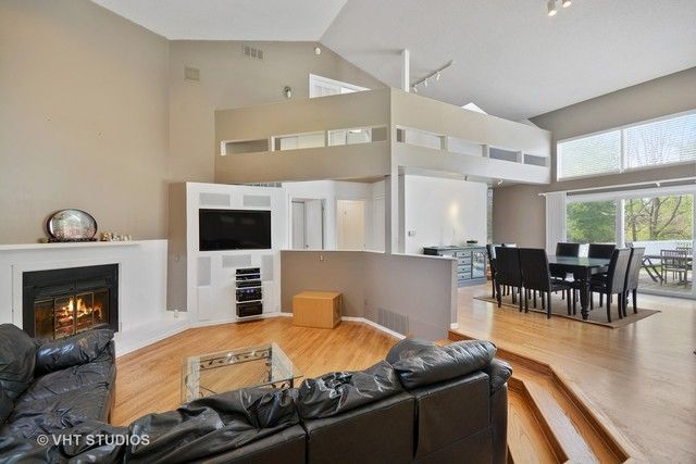 Contemporary, Detached Single - Elgin, IL (photo 4)