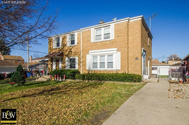 Townhouse - Chicago, IL (photo 1)
