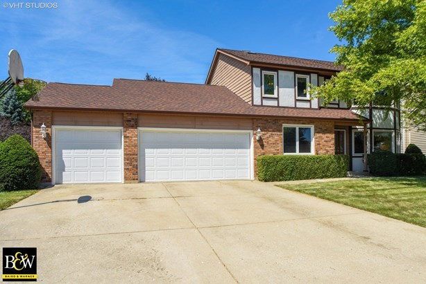 Colonial, Detached Single - Wadsworth, IL