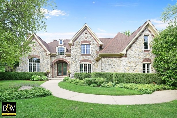 Traditional, Detached Single - Lake In The Hills, IL (photo 1)