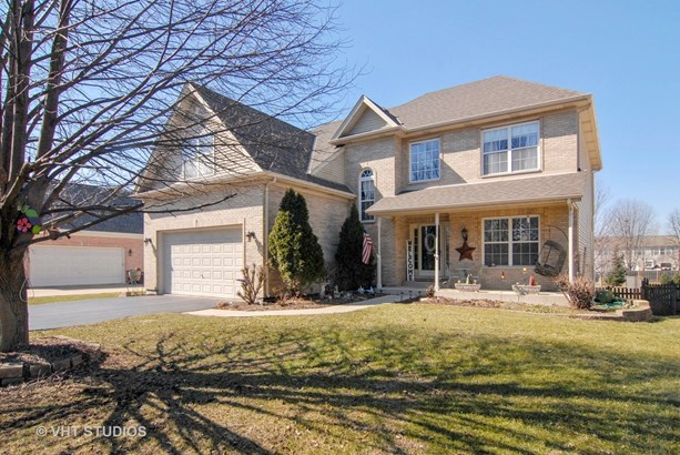 Traditional, Detached Single - Aurora, IL