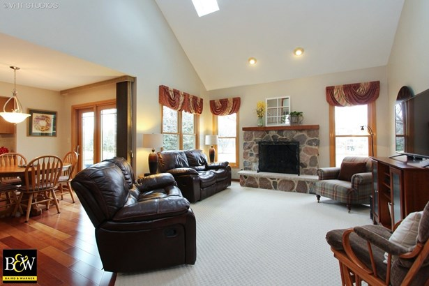 Colonial, Detached Single - Mchenry, IL (photo 5)