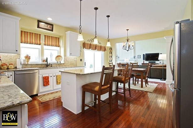 Colonial, Detached Single - Streamwood, IL (photo 5)