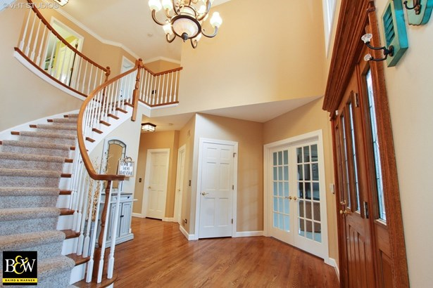 Traditional, Detached Single - Cary, IL (photo 2)
