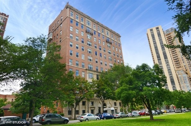 Condo - Chicago, IL