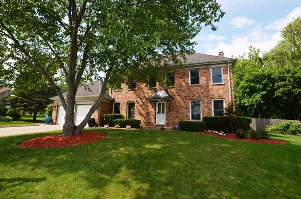 Colonial, Detached Single - Libertyville, IL