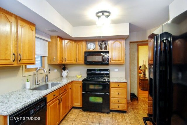Detached Single, Step Ranch - Brookfield, IL (photo 4)