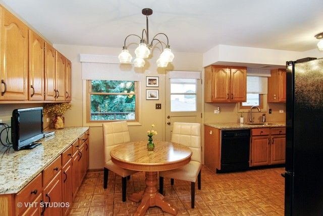 Detached Single, Step Ranch - Brookfield, IL (photo 5)