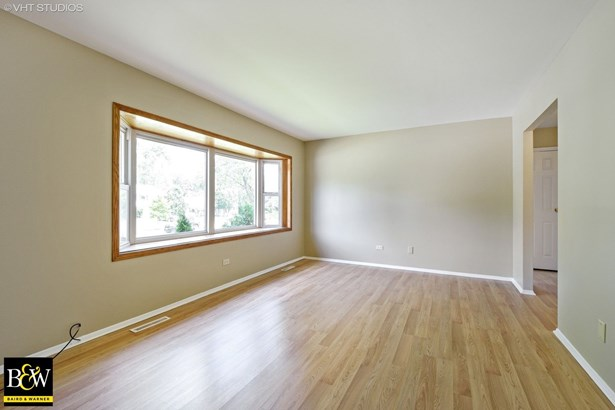 Bi-Level, Detached Single - Buffalo Grove, IL (photo 3)