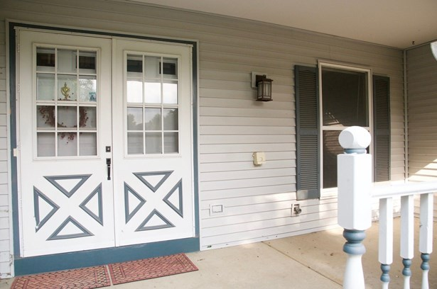 Colonial, Detached Single - Cary, IL (photo 2)