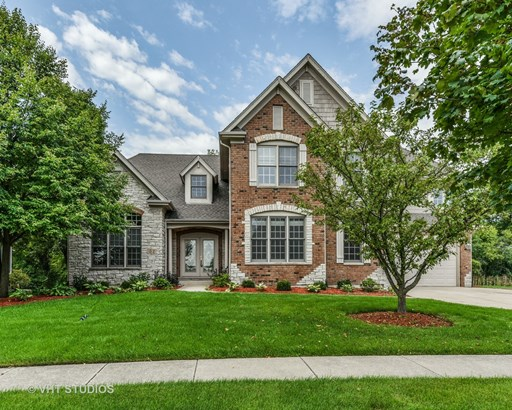 Traditional, Detached Single - Wheaton, IL