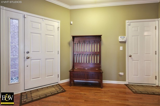 Townhouse - Bloomingdale, IL (photo 3)