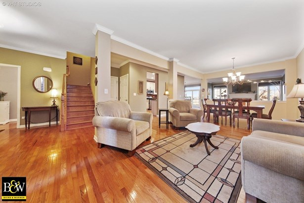 Townhouse - Bloomingdale, IL (photo 5)