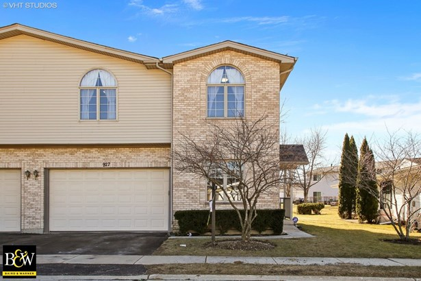 Townhouse - Schaumburg, IL (photo 1)