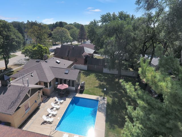 Detached Single, Step Ranch - Des Plaines, IL (photo 2)