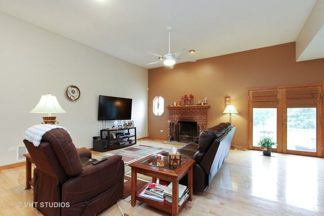 Ranch, Detached Single - Cary, IL (photo 3)