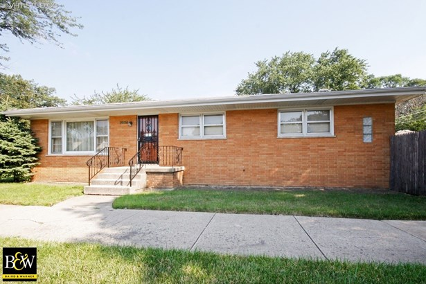 Bungalow, Detached Single - Calumet Park, IL (photo 1)