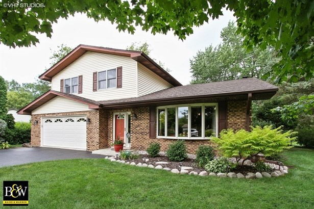 Quad Level, Detached Single - Wauconda, IL (photo 1)